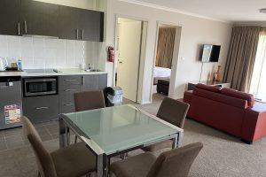 Peninsula Motel - 2 Bedroom Spa Apartment